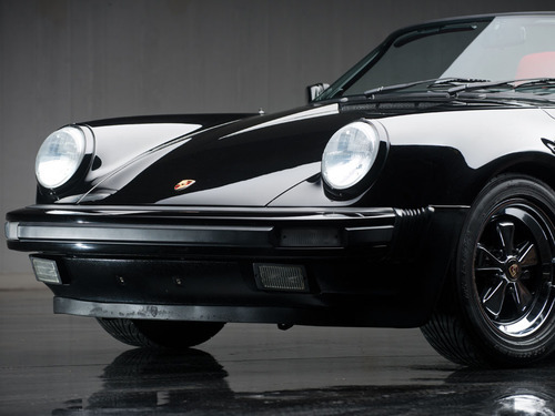 Beautiful 1989 Porsche 911 Speedster