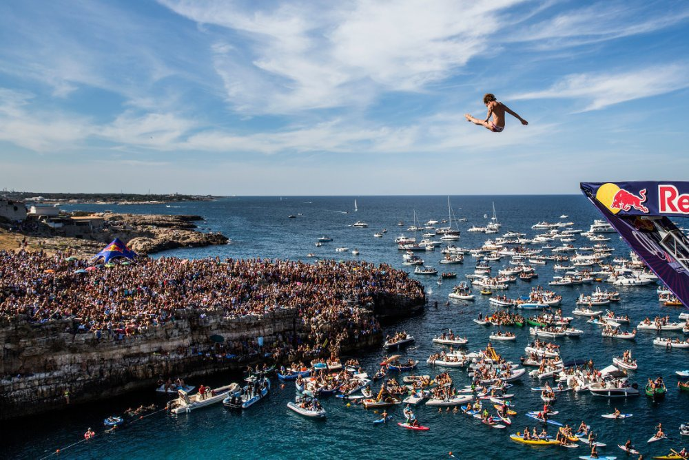 4Red Bull Cliff Diving World Series 2015 Polignano a Mare Gary Hunt 3