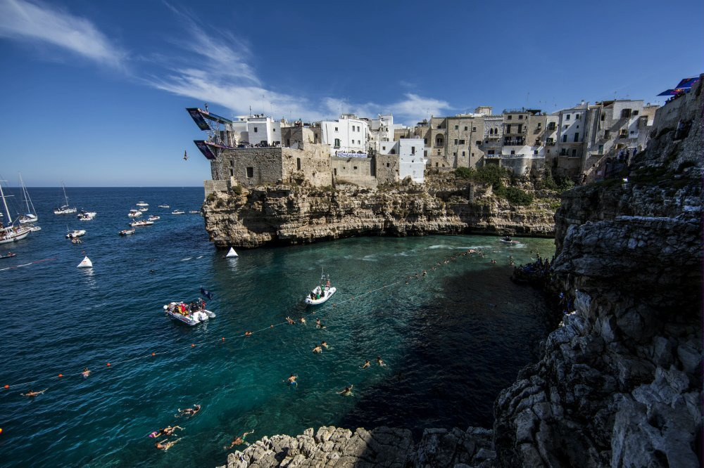 14Red Bull Cliff Diving World Series 2015 Polignano a Mare Jose Wilker