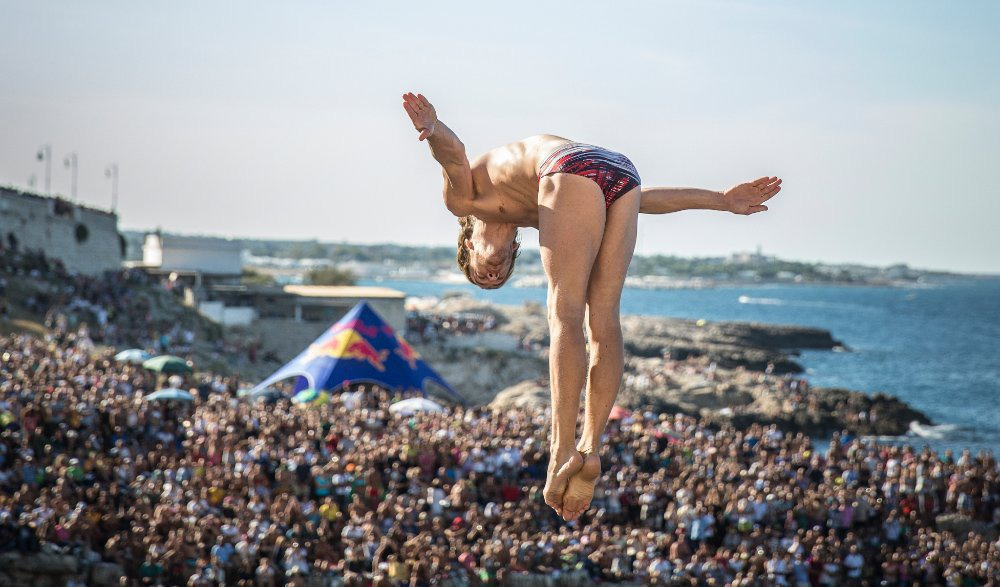16Red Bull Cliff Diving World Series 2015 Polignano a Mare Gary Hunt 2