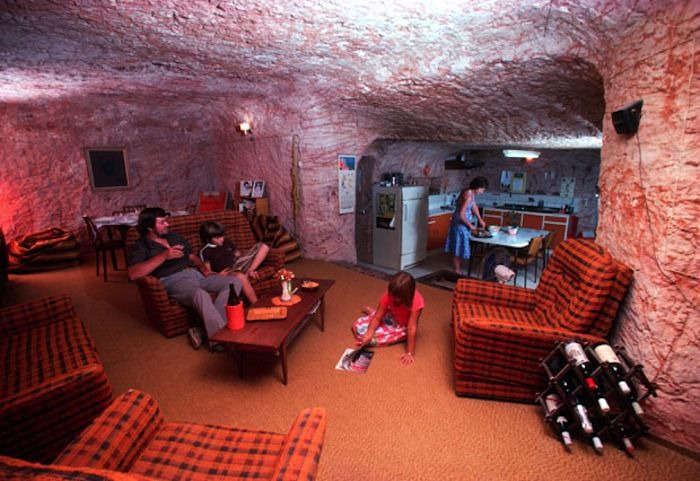 700x481xcoober pedy house1.jpg.pagespeed.ic.73gn6tBvXq