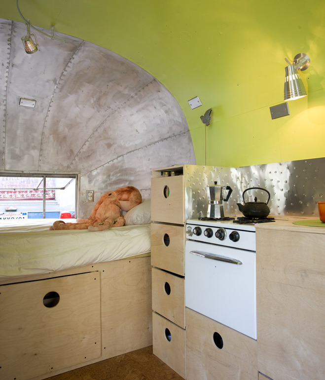 airstream-andreas-stavroupolos-kitchen