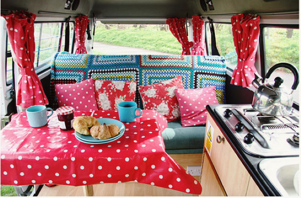 vintage-camper-caravan-vw-bachelorette-party7